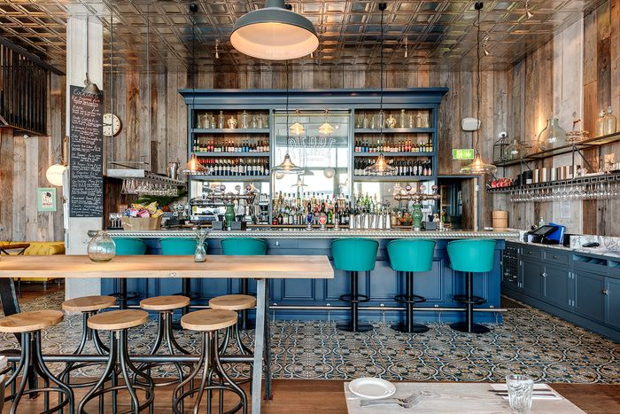 Le Bistrot Pierre (Torquay) / Multiple Restaurant / Gillespie Yunnie Architects & Holly Keeling Interiors