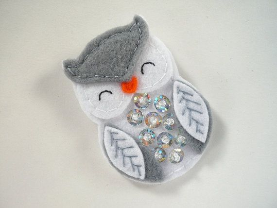 Brooch  gray and white owl   felt owl pin by ynelcas on Etsy, $9.00