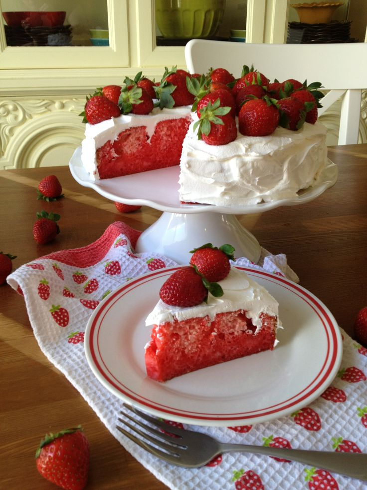 Strawberry Jell-o Cake with Fresh Strawberries ~ Use Sugar Free jello, cake mix and cool whip!