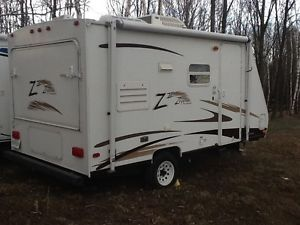 Great hybrid camper 18 ft large beds, bathroom, with shower/tub, kitchen etc. $5700.00
