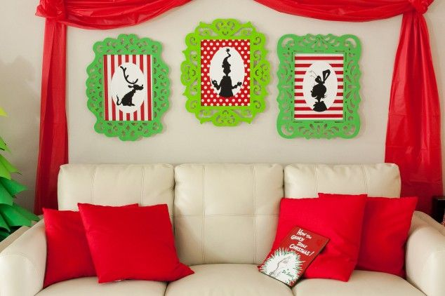 Grinch framed pictures for a Grinch who stole Christmas party #christmas #grinch #party