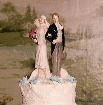 Vintage Bride ~ Vintage Cake Toppers ~ [vintagebridemag.com.au] ~ #vintagebride #vintagewedding #vintagebridemagazine
