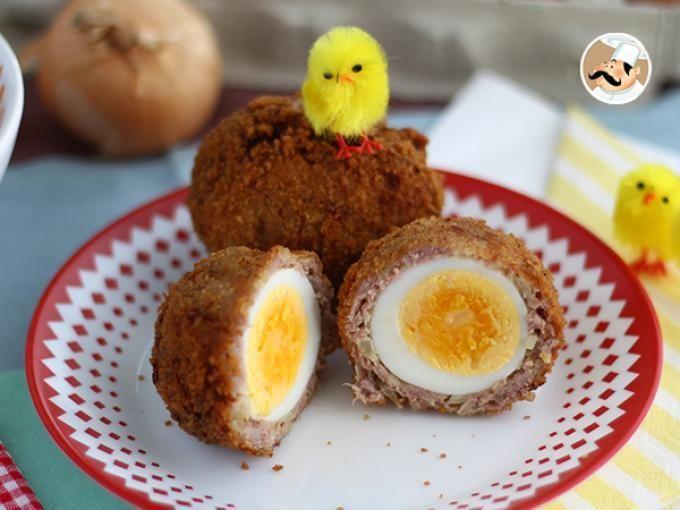 Que tal si probamos la cocina escocesa? Para empezar, te traemos estos huevos rebozados :) - Receta Plato : Huevos escoceses, cubiertos y rebozados por Petitchef_oficial
