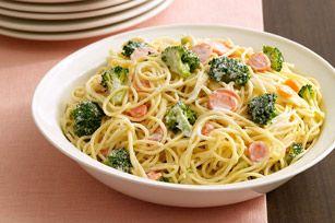 Pasta Primavera Alfredo     ■3/4    lb. spaghetti, uncooked          ■3    cups small broccoli florets          ■3     carrots (3/4 lb.), cut into thin slices          ■4    oz. (1/2 of 8-oz. pkg.) PHILADELPHIA Cream Cheese, cubed          ■1    cup milk          ■1/3    cup KRAFT Grated Parmesan Cheese          ■1/4    cup (1/2 stick) butter          ■1/2    tsp. garlic powder