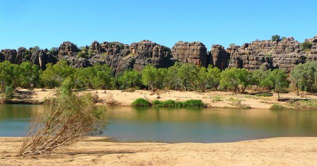 Parc national Geikie Gorge #Kimberley #Western #Australia  http://www.couleurs-daurore.com/top-destinations-nature-du-western-australia/