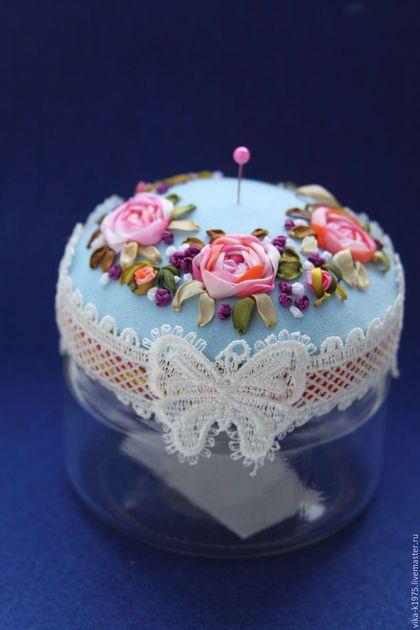 Beautiful pin cushion with ribbon embroidery / Шитье ручной работы. Ярмарка Мастеров - ручная работа. Купить Игольница на баночке. Handmade. Комбинированный, шелковые ленты