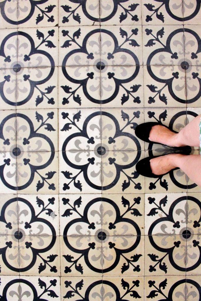 flooring carreau ciment noir