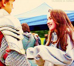 Narnia behind the scenes. Anna Popplewell William Moseley hug