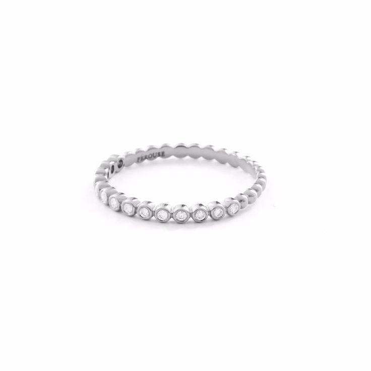 Alliance en diamants serti clos LYS du GANGE - Or blanc 18 cts demi tour 900€