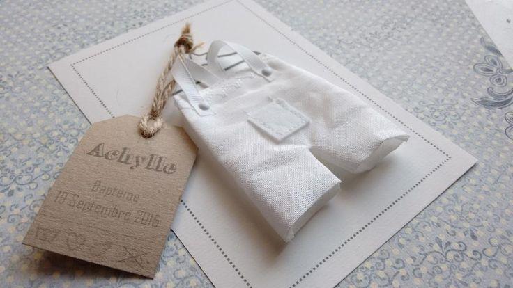 """""""La petite salopette n°9"""" Faire part original baptême garçon en tissu : Faire-part par envieda"""