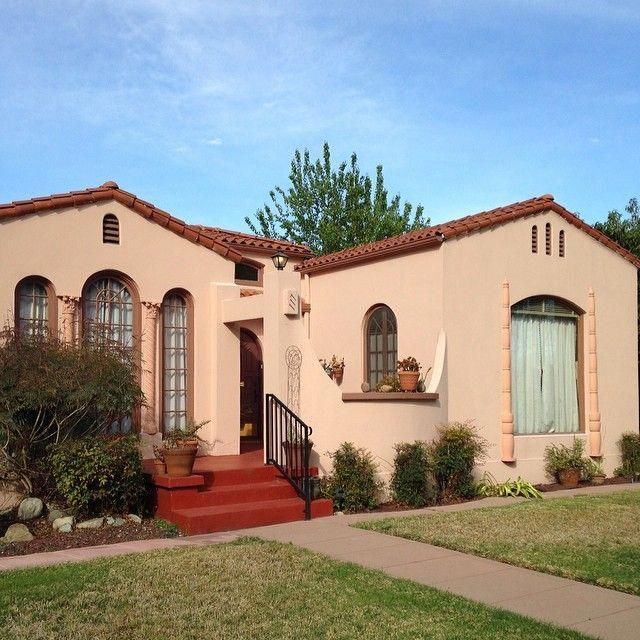 California Mission Style In Ontario Ca Beautiful Spanishstylehomes In 2020 Spanish Style Homes Spanish Exterior Spanish Style