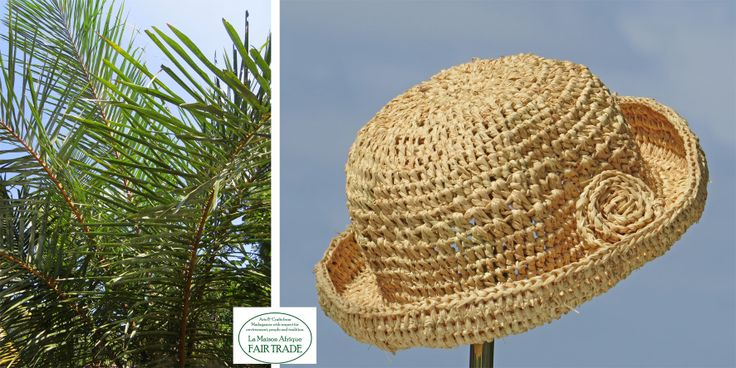 Children sized hat (photo to the right) crochet of sundried raffia palm leaves (photo to the left). Genuine handcraft makes the connection.