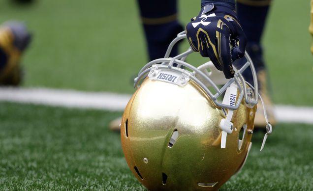 Demanda: la catedral de Notre Dame Cubierto de Un Jugador de Fútbol de la Presunta Violación