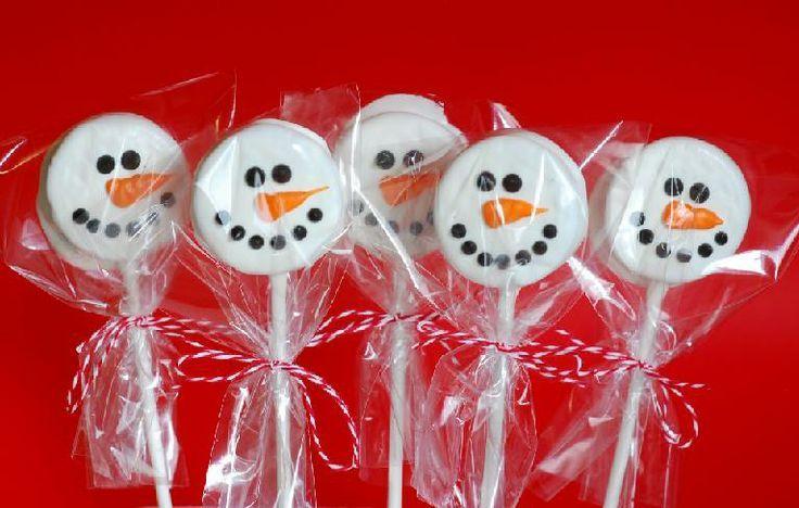Oreo Snowman Pops, too cute! #Oreo #Snowman #Christmas