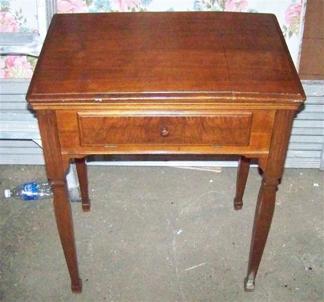 Singer Sewing Machine Cabinets - Vintage Singer Sewing Machine In Cabinet Bar Cabinet