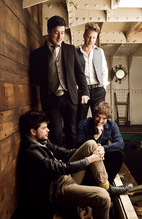 <3 Mumford and Sons :)