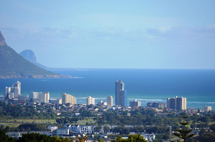Views of False Bay and the Strand from the Heldervue suburb in Somerset West. #Heldervue #SomersetWest #suburb #Strand