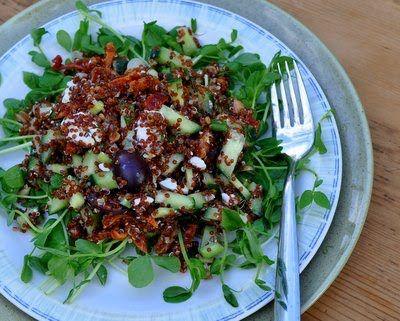 A quinoa real é um dos grãos que tem ganho uma fama de milagroso nos últimos tempos. Neste artigo deixaremos claros alguns dos benefícios comprovados da quinoa real e receitas para você aproveitar melhor este grão.