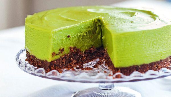 Dieser New York Cheesecakes steckt voller guter Zutaten, wird jedoch ohne raffinierten Zucker, Mehl und Milchprodukte hergestellt. Unglaublich, wie etwas so Köstliches zugleich so gesund sein kann!