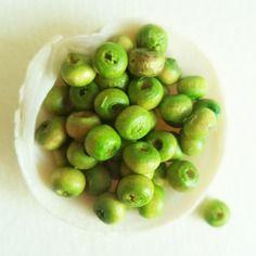 Lot de 30 perles en bois brut 3 mm aspect citronnier vert anis absinthe lime nuance bicolore chartreuse pour bijoux