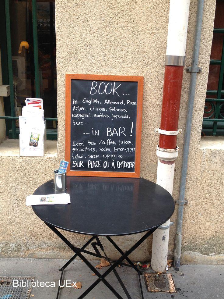 librería en Aix-en-Provence Imagen enviada por nuestra compañera Ángeles Ferrer #librerías #libros