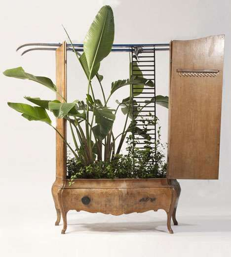 Recycled furniture planters ... lots of ideas