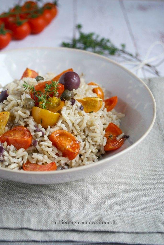 Riso basmati con pesto di olive e capperi e pomodorini al forno