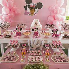 Festa Minnie Rosa para comemorar o 1 aninho da Maria Giulia! #festaminnie #decoracaoinfantil #festa #festainfantil #minnierosa