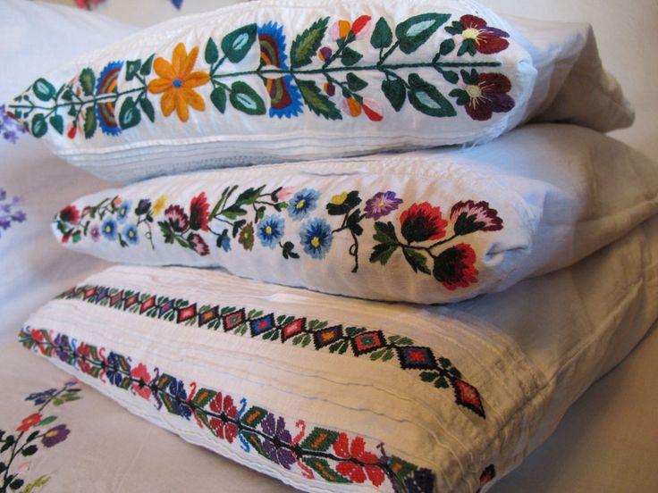 Opoczno - Polish folk embroidery                                                                                                                                                                                 More