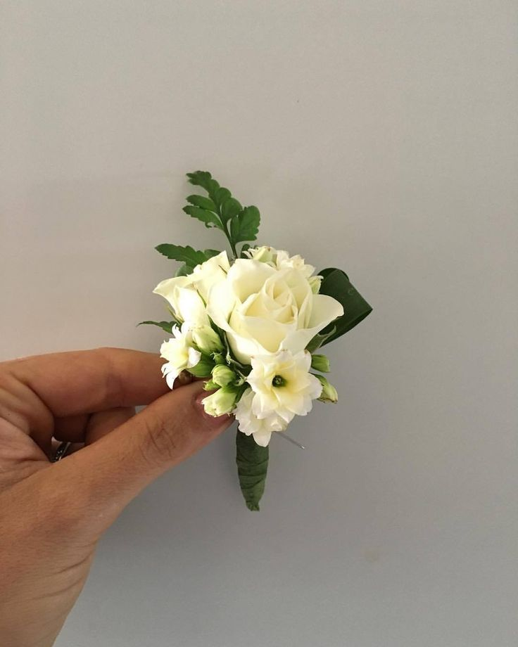 CBB236 weddings riviera maya white flowers for boutonnière