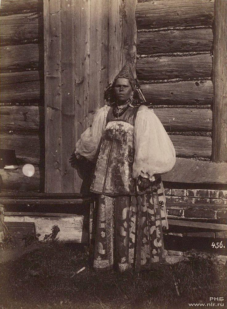 Каррик В.А. Крестьянка около избы. 1870-е гг.