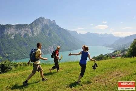 Hiking above the Lake Walen (Walensee).