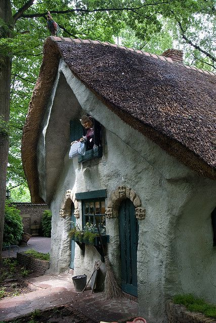 514 best images about fairy tale houses on pinterest for Witches cottage house plans