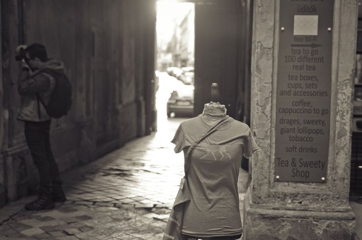 Private photo and other tailor made tours in Budapest http://pogacia-photo.com/bottom/photo-courses