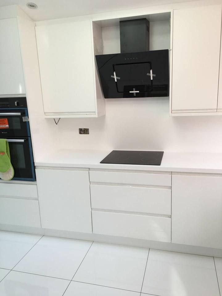Strada White with Hanex worktops 1.1