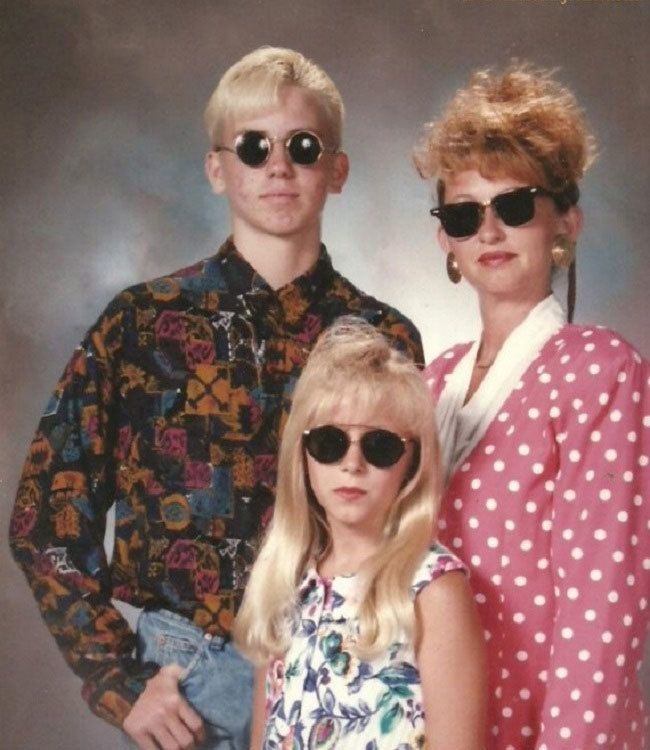 Best Hilarious Pix Photobombs Images On Pinterest Awkward - 29 awkward family photos ever