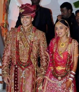 Google Image Result for http://www.bollywoodmantra.com/images/news/vivek-priyanka-marriage-259x300.jpg