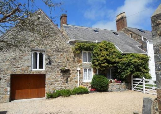 La Pompe Country Apartments St Martin, Guernsey, Channel Islands (Sleeps 1 - 8), UK. Self Catering. Holiday Cottage. Holiday. Travel. Accommodation.
