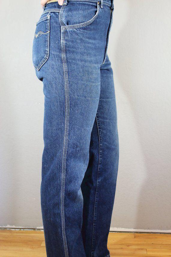 de9770cdbcc64 Vintage Lee Jeans waist 32 high waisted straight leg