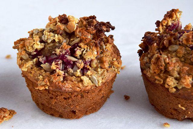 Morgenmadsmuffins med hindbær og gulerod – Cathrine Brandt