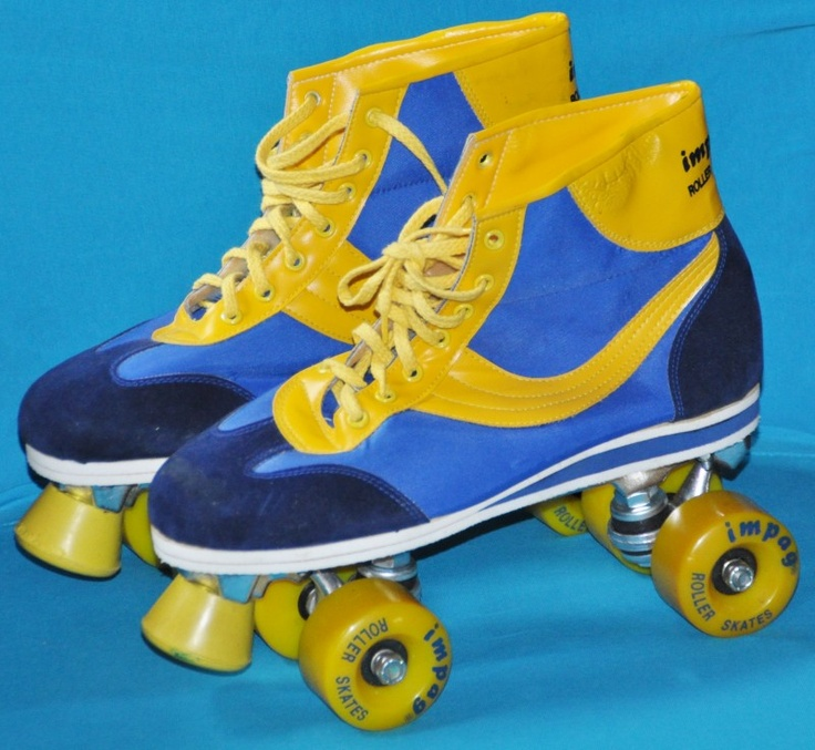 Remembering the 80s...this was something I was really good at.  BRING BACK ROLLER SKATING I SAY!