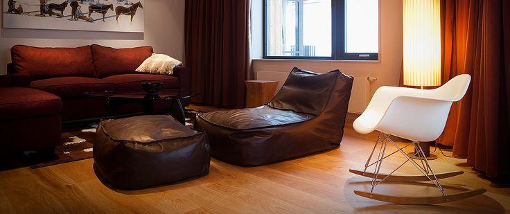 Vår allra största svit har utsikt mot Åreskutan, rymligt sällskapsrum med sittgrupp och bäddbar soffa, balkong, samt separat matplats med kitchenette.