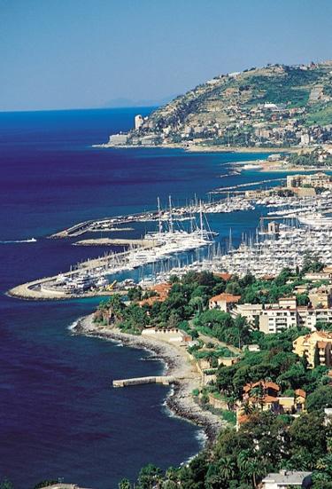 La costa di Sanremo, Imperia, Liguria - © Enrico Bottino