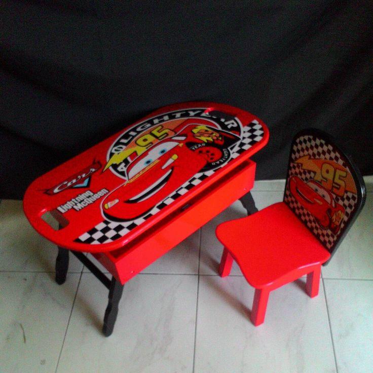 Meja lipat anak cars mcqueen !DR 310,000 cocok digunakan unuk anak dibawah usia 4 tahun, untuk diatasa 4 tahu bisa langsung pakai meja tanpa kursi