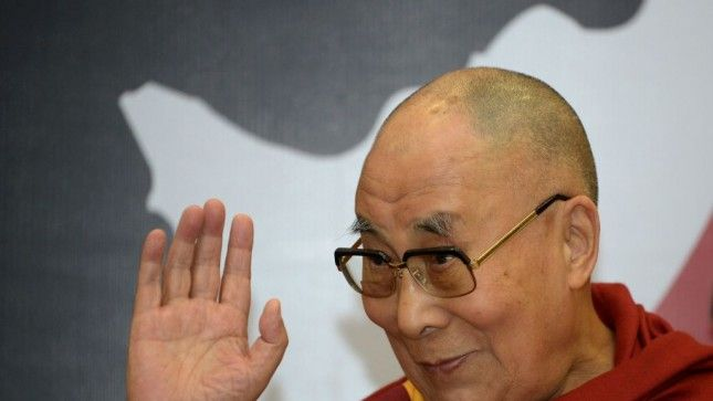 President Trump, meet the Dalai Lama 👍His Holiness is the most visible & important Buddhist leader in the world 😀  http://thehill.com/blogs/pundits-blog/religion/334822-president-trump-meet-the-dalai-lama?amp