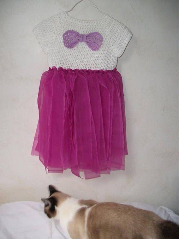 Robe tutu  crochetée  en coton blanc et ruban fushia taille