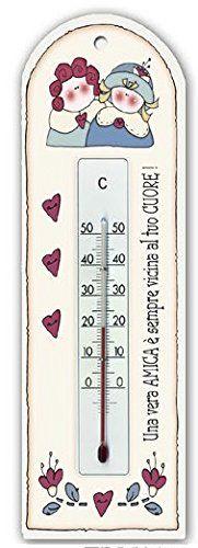 """termometro su base legno mdf """"Una vera amica è sempre vicina al tuo cuore!"""", idea regalo, artigianato italiano, made in Italy, con frase scritta, spiritosa, fuori stanza, fuori porta, bomboniere, targa porta, tavola country, quadretto con ferretto, dimensioni cm 8,5x23 sp cm 0,6: Amazon.it: Casa e cucina"""