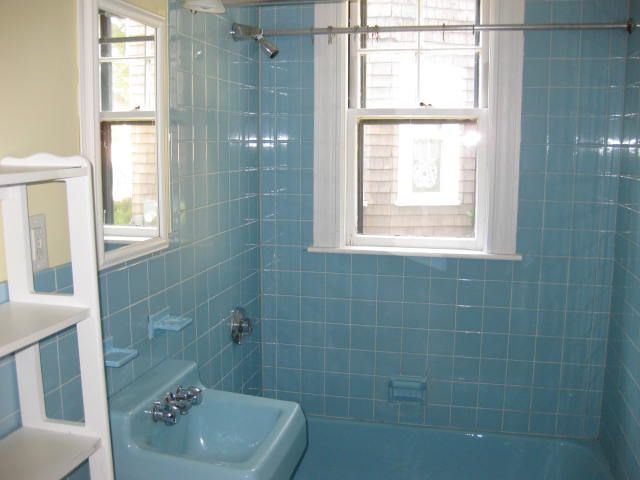 138 best images about save the blue and green bathrooms for Blue tile bathroom ideas