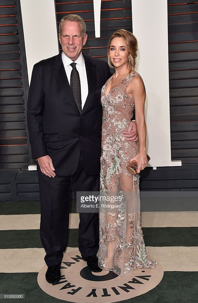 Producer Steve Tisch and Director at Francesconi -T. Charitable Fund Katia Francesconi wearing Patricia Bonaldi attend the 2016 Vanity Fair Oscar Party on February 28, 2016 in Beverly Hills, California.