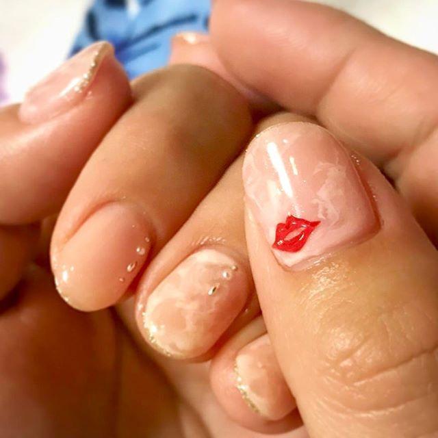お客様デザイン▷前にやった立体Lipやりたーい♡と♡ぷっくり唇は手描きだよ☺︎ . #nail#nailart#instanails#nailstagram#naildesign#lips#paragel#ネイル#ネイルアート#ネイルデザイン#リップネイル#唇#個性的ネイル#シンプルネイル#マーブルネイル#ピンクネイル#手描きアート#セルフネイル#ショートネイル#プライベートセレクトサロンriche#パーツ豊富なネイルサロン#richeネイル#あきる野ネイル#表参道#出張#美爪プログラム